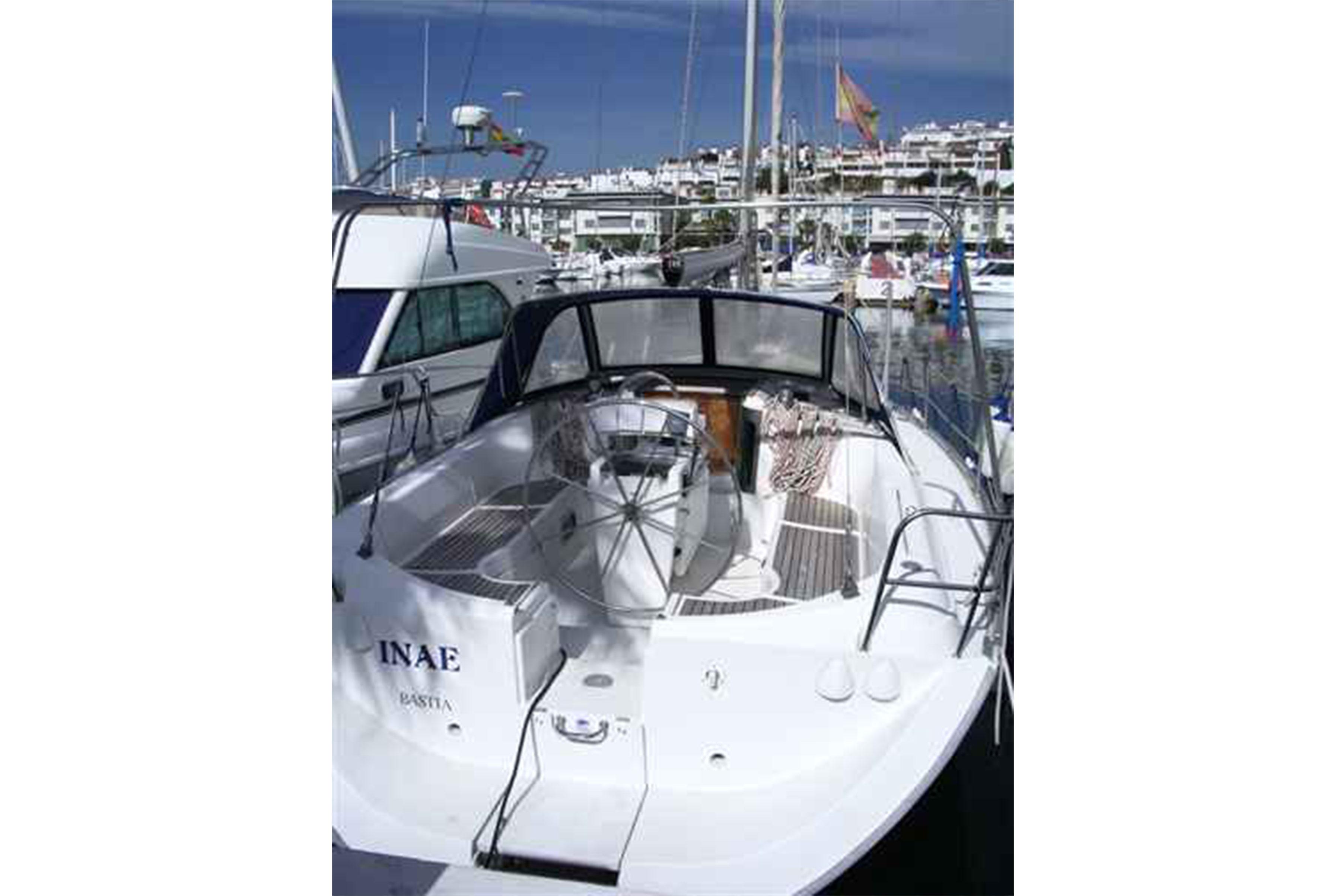 Beneteau-Oceanis-351-02