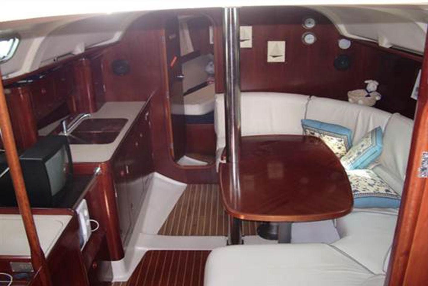 Beneteau-Oceanis-351