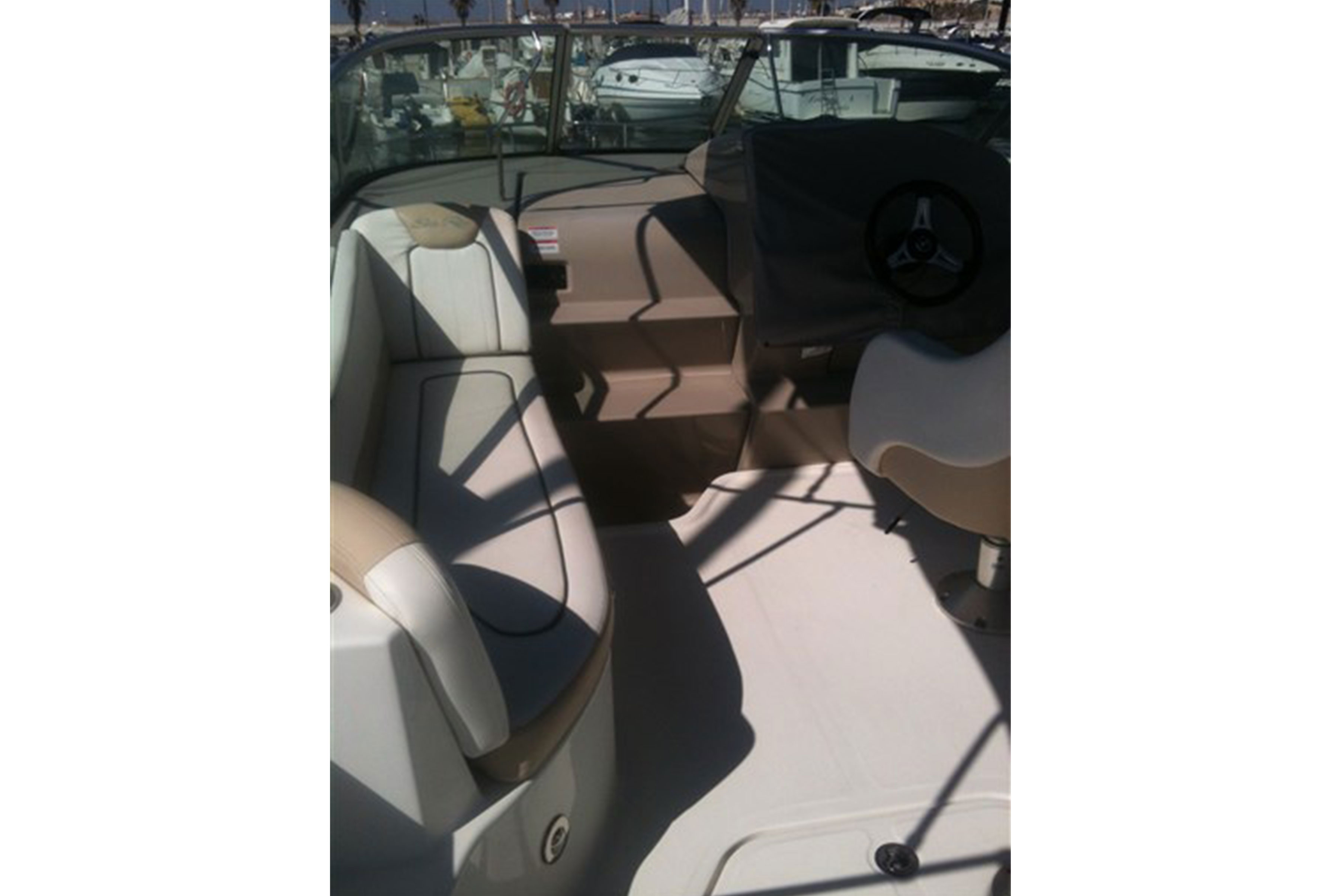 Searay-230-sundancer01