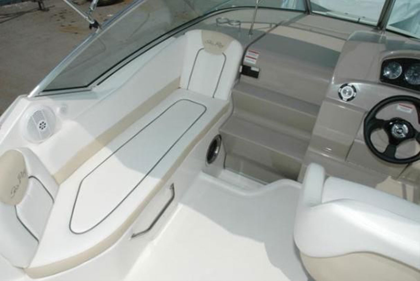 Searay-230-sundancer04