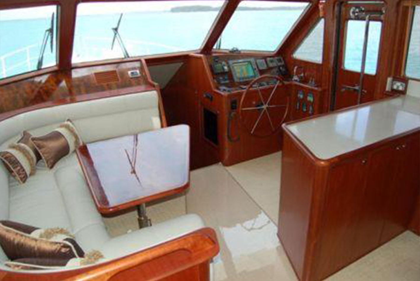 Alaska-65-pilothouse-08