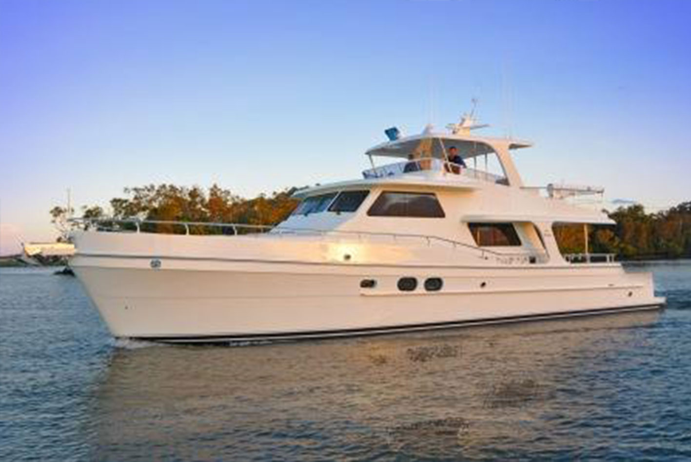 Alaska-65-pilothouse-14